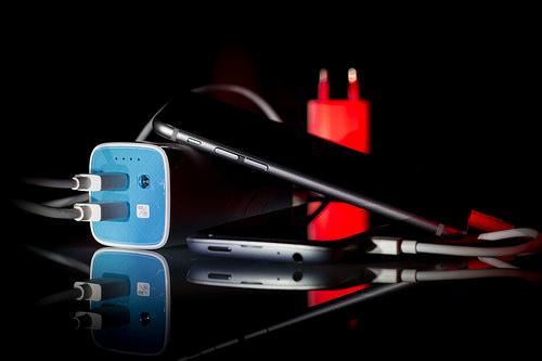 Cztery praktyczne dodatki do smartfonów, które warto mieć