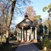 Brwinowski cmentarz pod dodatkową opieką