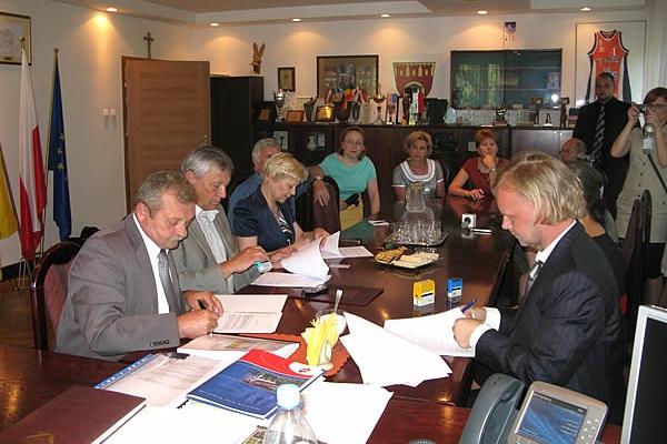 Prezydent Pruszkowa podpisał ważną umowę