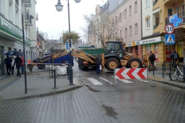 Zamknięta ulica w centrum Pruszkowa