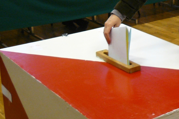 Są pierwsze oficjalne wyniki wyborów