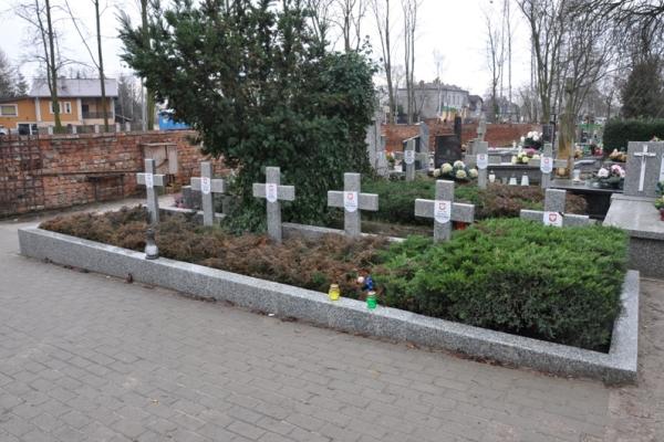 Brwinów dostał pieniądze na remont grobów